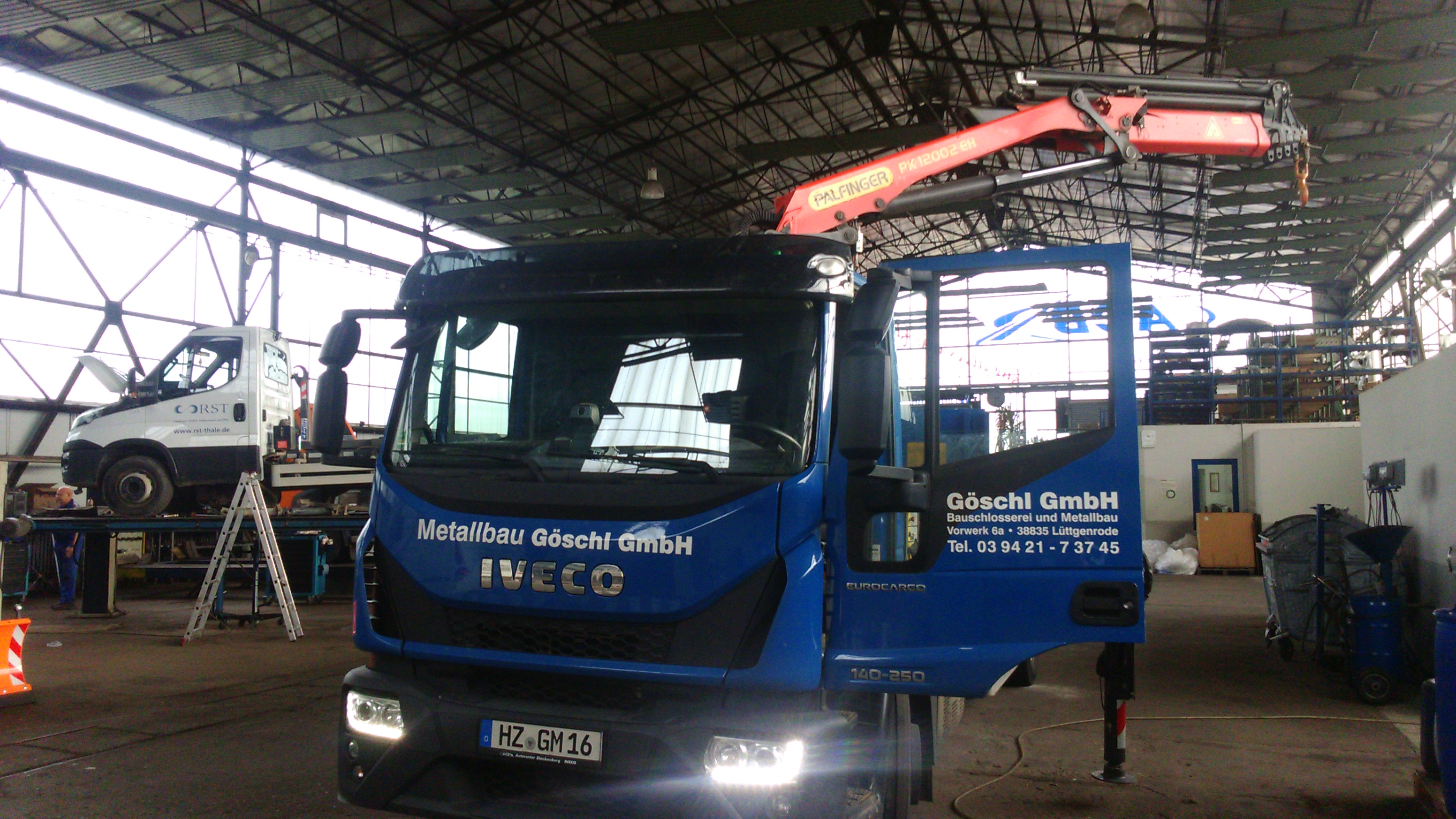 Baustoff- und Lastkrane